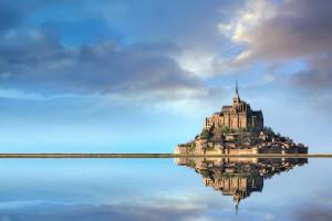 http://cdn-parismatch.ladmedia.fr/var/news/storage/images/paris-match/vivre/voyage/en-2015-le-mont-saint-michel-redevient-une-ile-729202/7581476-2-fre-FR/En-2015-le-Mont-Saint-Michel-redevient-une-ile.jpg